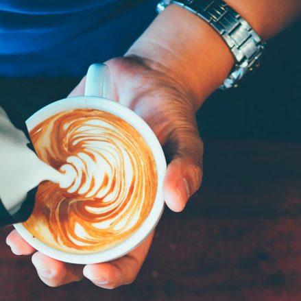 Cómo hacer Latte Art como un auténtico profesional